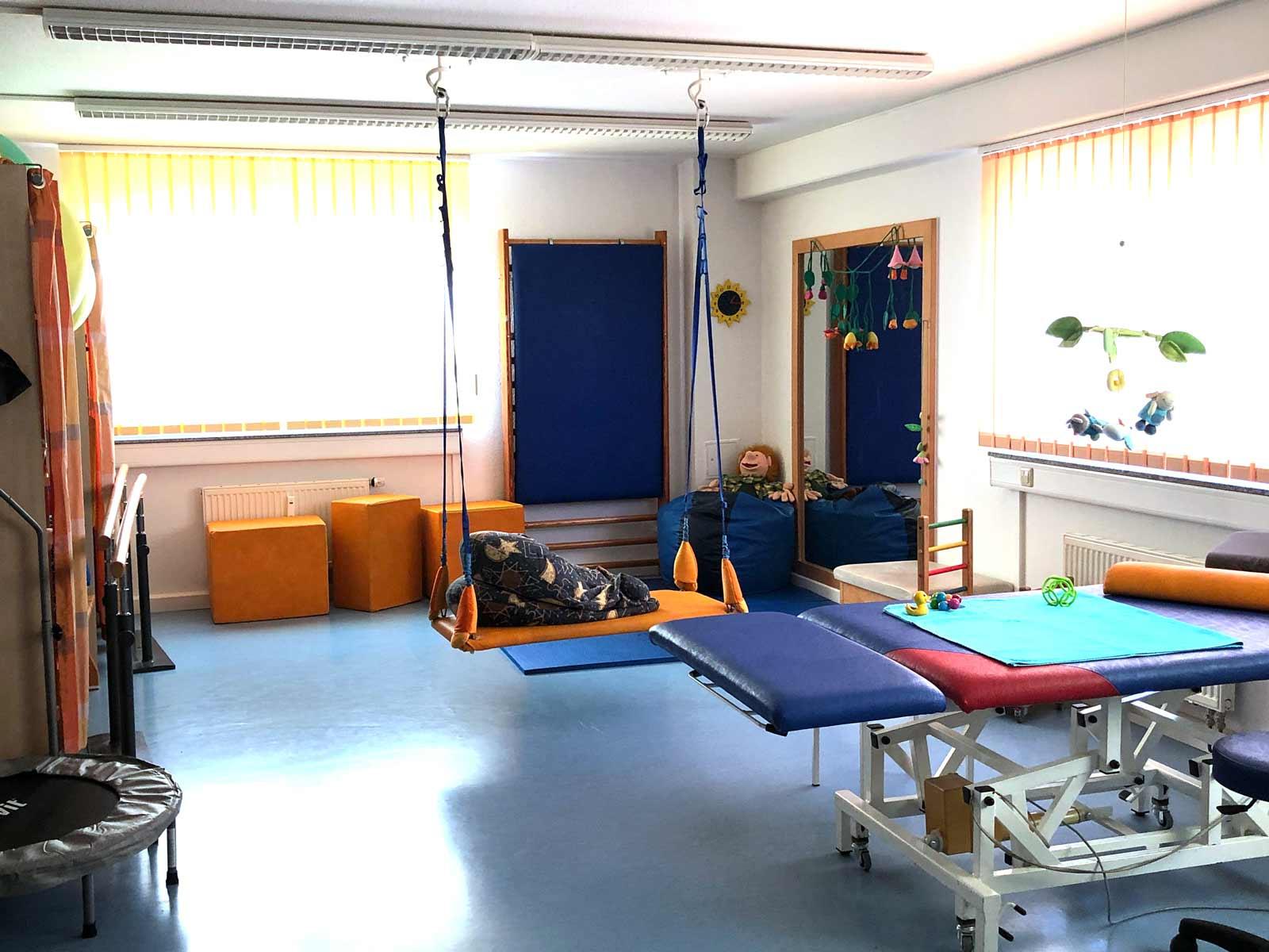 behandlungsraum-physiotherapie-säuglinge-kinder-praxisgemeinschaft-impulse-rastatt